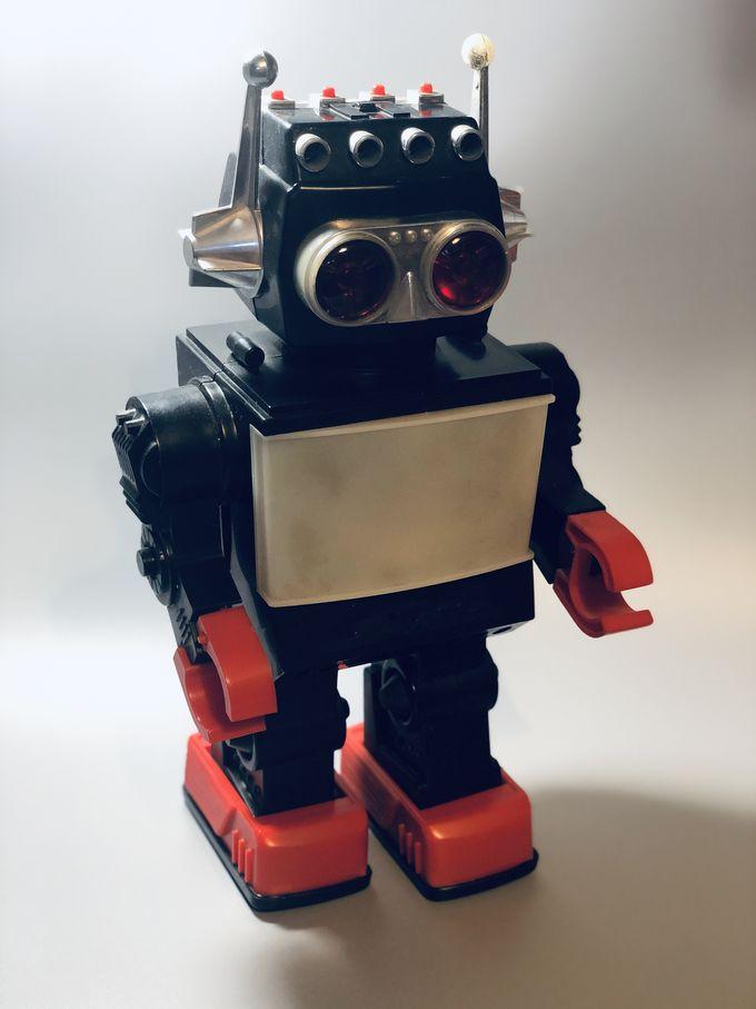 Saturn Robot